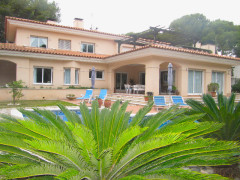 luxury villa in Salou
