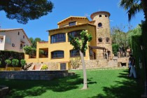 rent villa comarruga sea views