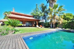 rent luxury villa in Calafell