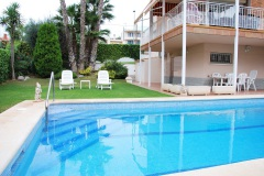 RENT LUXURY VILLA IN CUBELLES