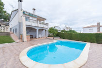 buy villa costa dorada with sea views